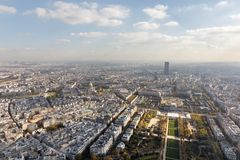 在巴黎市和领域的鸟瞰图火星 免版税图库摄影