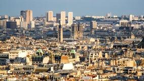 在巴黎的看法从Sacre Coeur小山 免版税库存图片