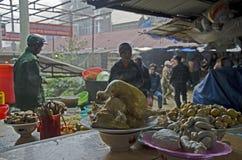 在市场上的传统食物在Sa Pa 免版税库存图片