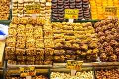 在市场上的土耳其快乐糖 图库摄影