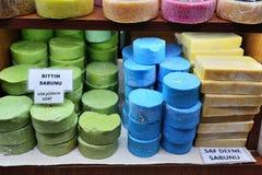 在市场上的手工制造肥皂 库存图片