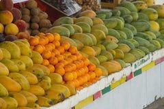 在市场上的果子 库存照片
