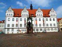 在市场的纪念碑路德在城镇厅前面,威顿堡,德国04 12 2016年 库存图片