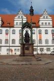 在市场的纪念碑路德在城镇厅前面,威顿堡,德国04 12 2016年 图库摄影