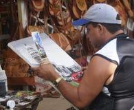 在市场空间的艺术家绘画在巴拉德罗角古巴 库存照片