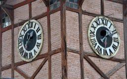 在市政厅的古老时钟 图库摄影
