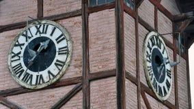 在市政厅的古老时钟 免版税图库摄影