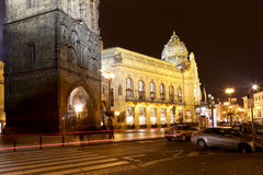 在市政House的看法(1912)艺术nouveau样式的--是一个主要地标和音乐厅在布拉格,捷克 库存照片