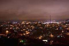 在市的不可思议的看法大叻市在晚上,采取从罗宾小山 免版税库存照片