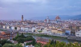 在市的全景从米开朗基罗广场的佛罗伦萨告诉了Piazzale米开朗基罗 库存图片