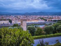 在市的全景从米开朗基罗广场的佛罗伦萨告诉了Piazzale米开朗基罗 免版税库存照片
