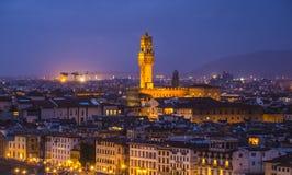 在市的全景从米开朗基罗广场的佛罗伦萨告诉了Piazzale米开朗基罗 免版税库存图片