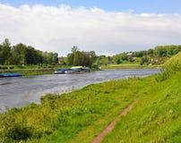 在市的尼曼河哥罗德诺附近 迟来的 免版税库存图片