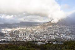 在市的看法从信号小山的开普敦 库存照片