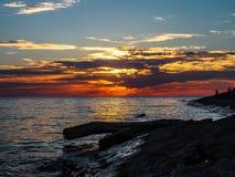 在市的黑海海滩阿纳帕附近,俄罗斯的克拉斯诺达尔地区日落的 免版税图库摄影