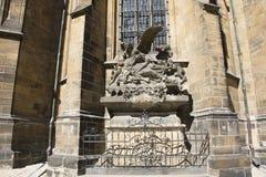 在布拉格城堡里面的纪念碑在布拉格,捷克 库存图片
