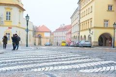 在布拉格的历史部分的街道 库存照片