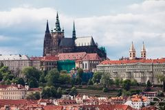 在布拉格视图的城堡 免版税图库摄影