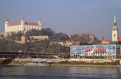 在布拉索夫城堡和多瑙河,斯洛伐克的看法 库存图片