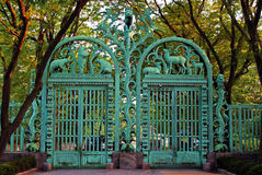 在布朗克斯动物园的门 免版税库存图片