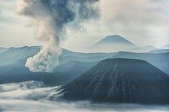 在布罗莫火山的活动 免版税库存照片
