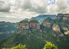 在布莱德河峡谷的风景,观点三Rondavels 图库摄影