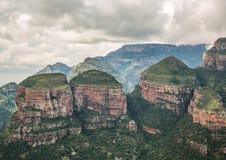 在布莱德河峡谷的风景,观点三Rondavels 库存图片