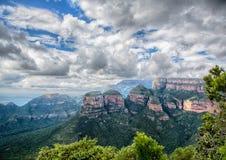 在布莱德河峡谷的风景,观点三Rondavels 免版税库存图片