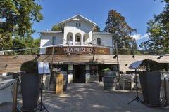 在布莱德湖的餐馆别墅Preseren在斯洛文尼亚 免版税库存图片