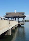 在布莱思着陆的码头在湖诺曼底人在Huntersville,北卡罗来纳 图库摄影