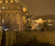 在布达佩斯城堡的雕象  库存图片