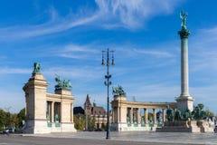在布达佩斯天视图的英雄正方形 其中一个主要正方形在布达佩斯,匈牙利 库存照片