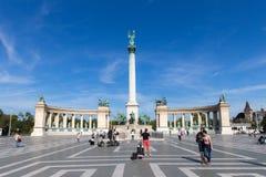 在布达佩斯天视图的英雄正方形 其中一个主要正方形在布达佩斯,匈牙利 库存图片