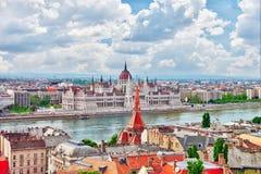 在布达佩斯市的全景视图从渔夫本营 库存照片