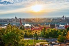 在布达佩斯市的全景视图 库存照片