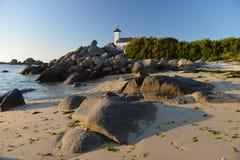 在布里坦尼大西洋海岸的灯塔  免版税库存图片