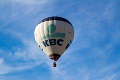 在布里斯托尔国际气球节日的一个唯一气球 库存照片