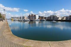 在布里斯托尔萨默塞特英国英国道路附近的Portishead小游艇船坞在码头区 库存图片