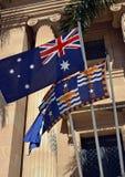 在布里斯班香港大会堂,昆士兰,澳大利亚之外的旗子 库存照片
