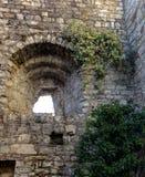 在布雷西亚堡垒的墙壁的漏洞  库存照片