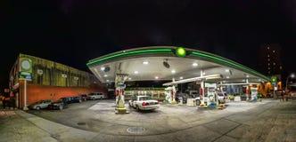 在布鲁克林,纽约打开加油站 库存图片