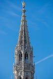 在布鲁塞尔大广场的中世纪塔在布鲁塞尔 图库摄影