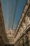 在布鲁塞尔把Galeries分类Royales圣于贝尔的天花板 图库摄影