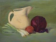 在帆布的原始的静物画油画:菜,投手 免版税库存照片
