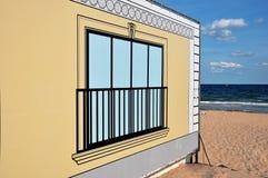 在帆布的Windows在海滩 免版税图库摄影