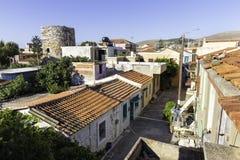 在希俄斯海岛里面,希腊城堡的老街道  库存照片