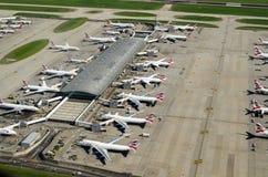 在希思罗机场的英国航空公司飞机 免版税库存照片