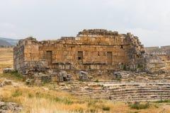 在希拉波利斯希腊温泉的古老石头废墟  库存照片