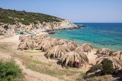 在希腊半岛Sithonia的美丽的Tigania海滩 图库摄影