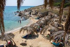 在希腊半岛Sithonia的美丽的Tigania海滩 库存照片